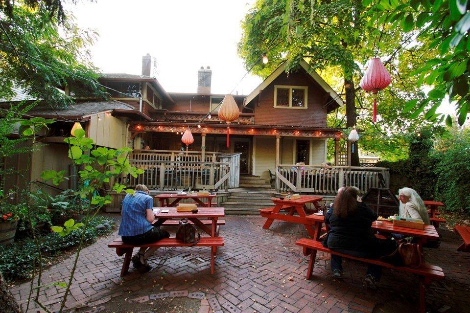 McMenamins High Street Brewery & Cafe